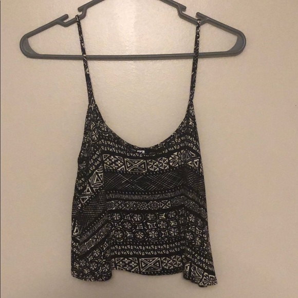 Nollie Tops - BLACK AND WHITE PRINT CROP TOP